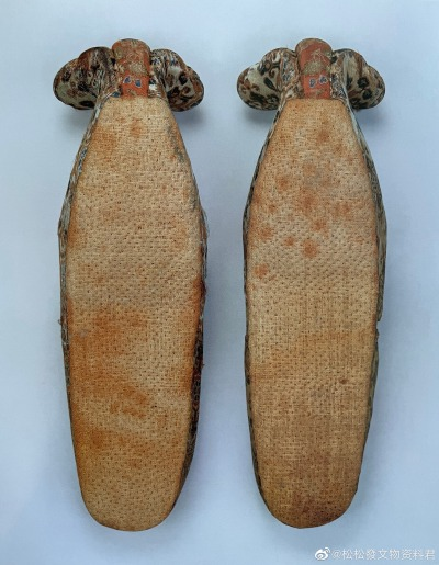 Sepatu Brokat Kepala Awan Dinasti Tang